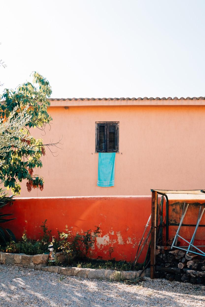 Sardegna - Towel from window