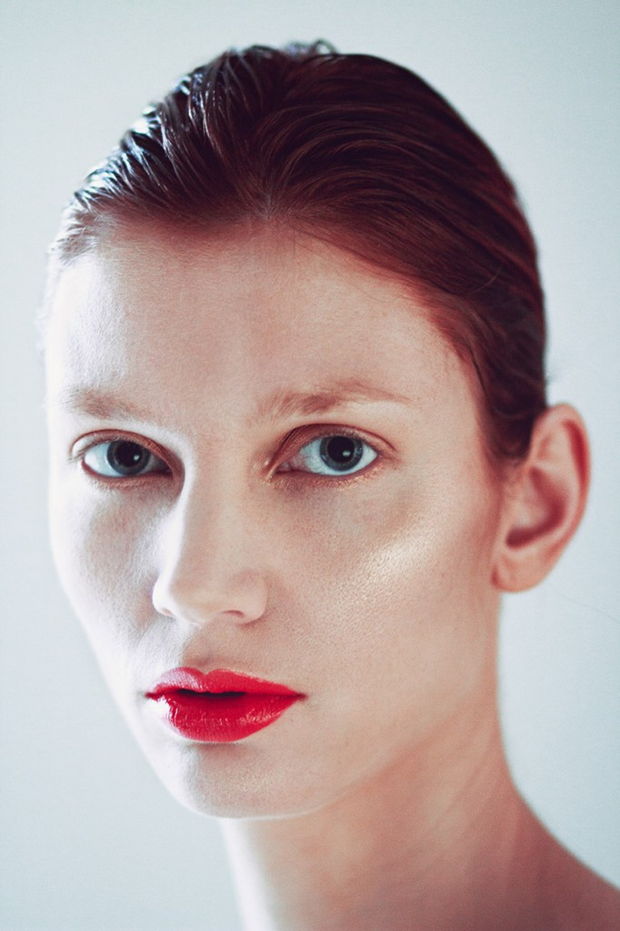 Beauty portrait of woman with red lips